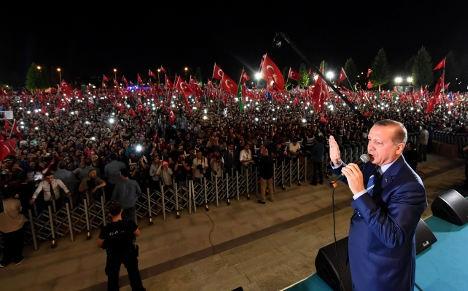 政变失败后 土耳其驻希腊参赞逃亡意大利