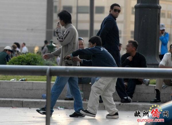 北京赛车下注方法:意大利开始整治吉普寨人,居然有人替贼说话