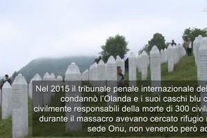 Srebrenica:per anniversario migliaia al Cimitero di Potocari (ANSA)