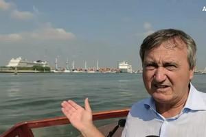 Blitz all'alba del sindaco di Venezia su nave crociera (ANSA)